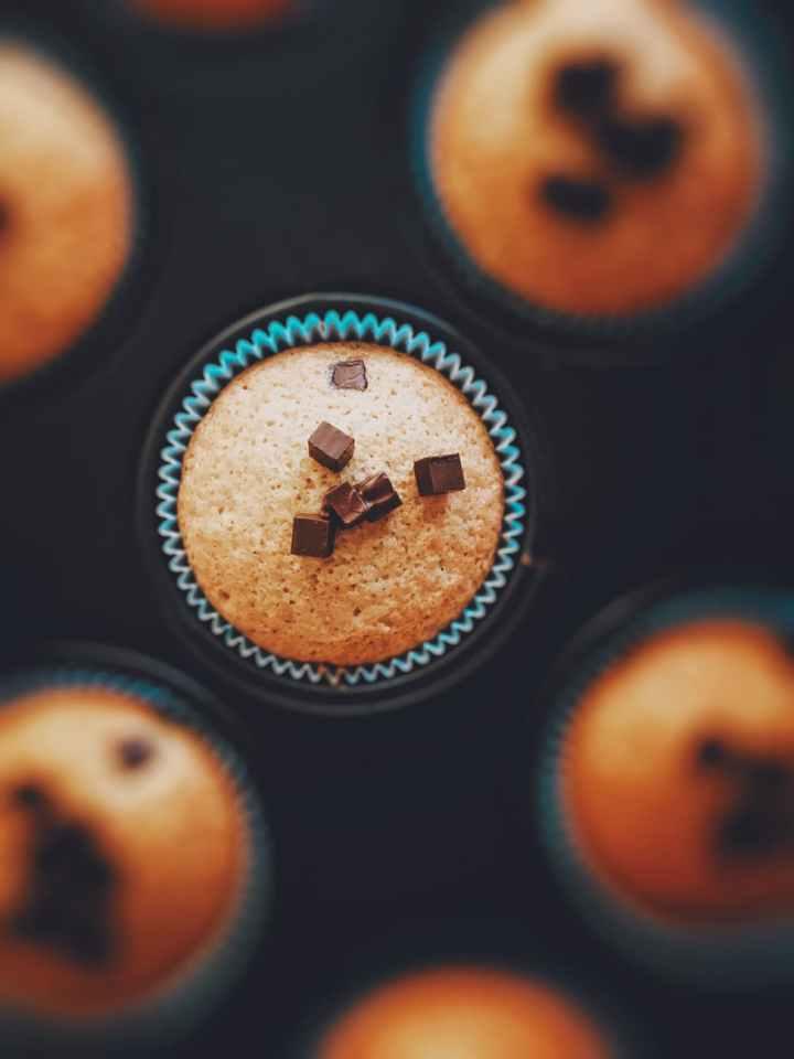 the world's best (allergy safe) banana chocolate chipmuffins
